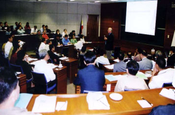 Seminar held for diplomats and corporate executives