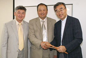 With Vice-President and Managing Director Takato Ojimi at IIST