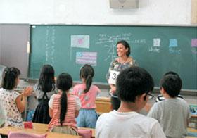 品川区立立会小学校訪問時参加者によるデモレッスン(模擬授業)